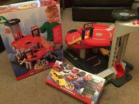 ELC Big City Garage With Box plus 20 cars cost £75 ideal Christmas gift £35 ono