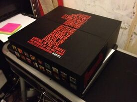 "ELVIS PRESLEY 18 UK NUMBER 1s 2005 UK 10"" VINYL RECORD LIMITED EDITION BOX SET IDEAL CHRISTMAS GIFT"