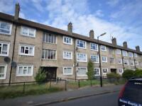 2 bedroom flat in Balmoral Place, Dundee,
