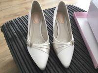 Size 5, Ivory Satin bridal shoes, brand new