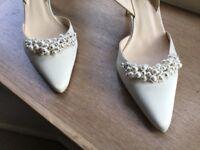 L K Bennett cream satin shoes size 40