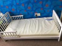 Mamia kids bed