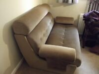 BED SETTEE (FREE)