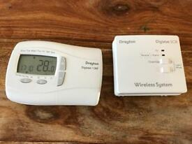 Drayton RF programmable room thermostat