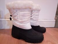 Ladies fur lined winter boots size 6