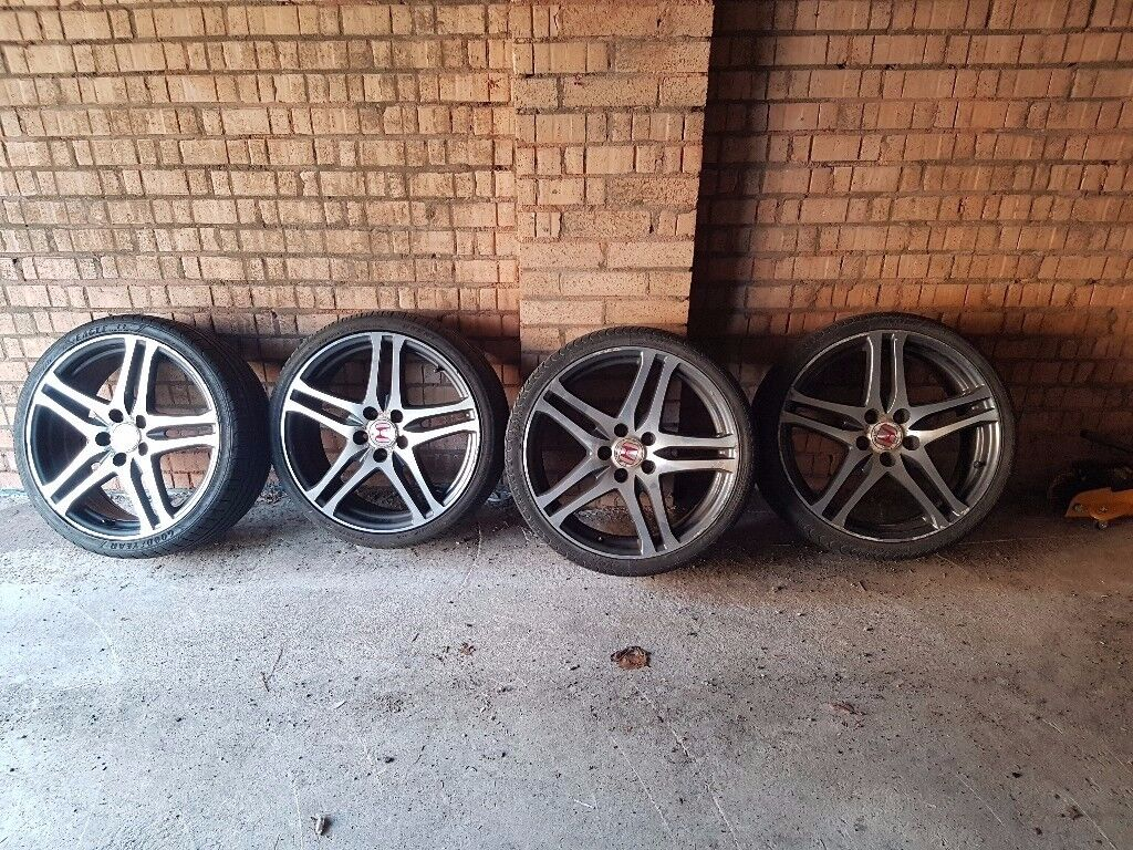 Honda Type R Alloy wheels with tyres
