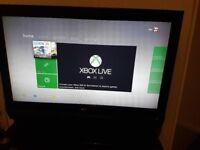 Xbox 360 slim 320gb 5 games 2 pads good for kids
