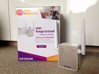 NETGEAR 11AC 1200 Mbps (300 Mbps + 900 Mbps) Dual Band Wi-Fi Range Extender (EX6120-100UKS)