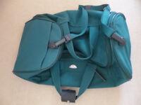 GENUINE SAMSONITE HOLDALL SHOULDER BAG GREEN VERY GOOD CLEAN CONDITION