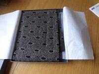 Dupont women's scarf Brand New still in box multi pattern 32% Polyamid, 34% Wool, 34% Acryl