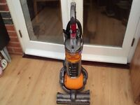 dyson dc 24 multifloor perfect condition and strong suction with universal tool