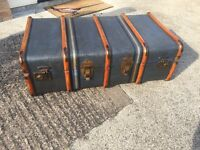 USED - LARGE BLUE VINTAGE OVERPOND SUITCASE/STEAMER TRUNK 910(W) X 310(H) X 515(D)MM