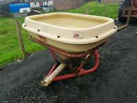 Tractor three point linkage pto driven wagtail fertiliser spreader in very good condition