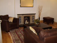 EXTREMELY LARGE AND SPACIOUS 3 DOUBLE BEDROOM FLAT SPLIT OVER 4 FLOORS KENSAL RISE/ GREEN NW10 ZONE2