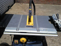PRO PORTABLE TABLE SAW 1500w folding legs on wheels £ 175 ono