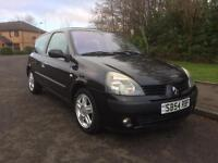 Renault Clio 1.5 diesel, £30 YEARLY RD TAX , LONG MOT , (54 reg),