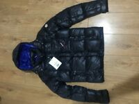 Moncler coat size 2 (medium) too big for my son.
