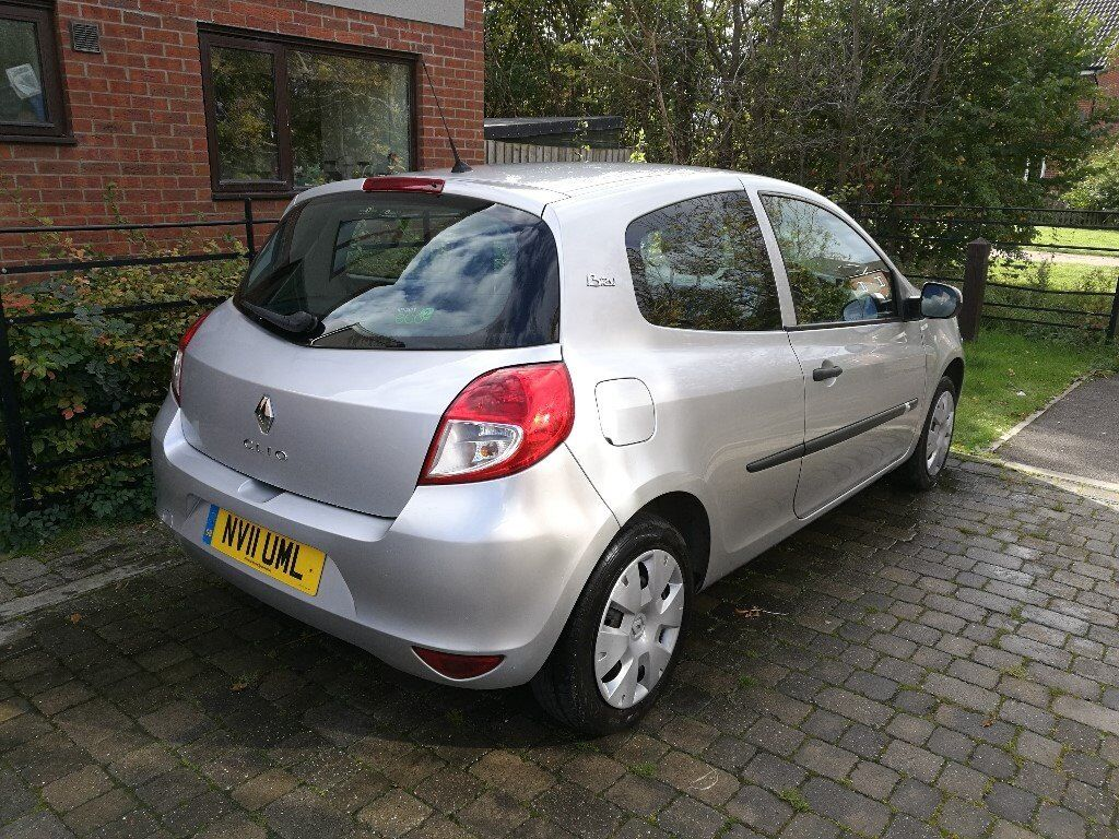 2011 Renault clio 1.2, 63000 miles, great mpg, cheap to tax and insure. Price lowered!!