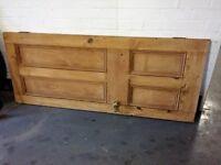 Victorian stripped pine interior door, very good condition.