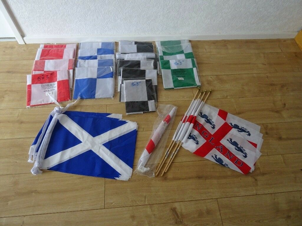 job lot of 17 flags 5 feet x 3 flag @ 5 foot x 3 foot checkered . bunting ext - Bargain !