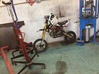 Demon x pit bike 140cc
