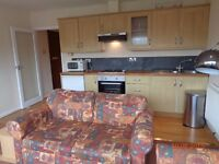 3 bed flat, just off Wimbeldon High street on residential road, close to Rail and Tube Station