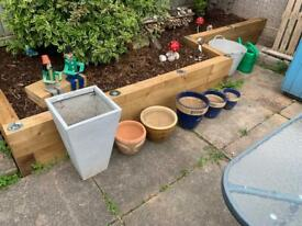 6 plant pots