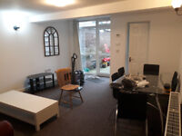 Large double room in flat on Upper Brook Street M13 0EP