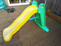 LITTLE TIKES GREEN AND YELLOW EASY STORE 5FT SLIDE
