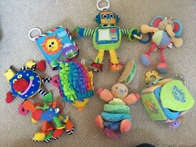 Soft noisy baby toys