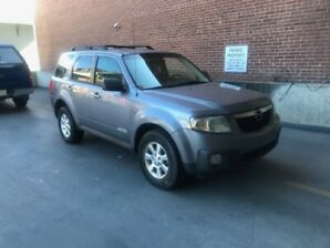 2008 Mazda Tribute AWD (leather )