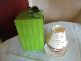 Small Christmas Yankee Candle with Shade and Base