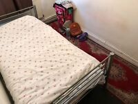 Nice & Comfortable Bedroom in Great Apartment. 11 minutes Cannon Street Underground Station