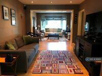 3 bedroom house in Berkeley Avenue, Hounslow, TW4 (3 bed) (#1166851)