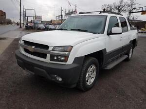2006 Chevrolet Avalanche LT 4x4 leather, DVD player.