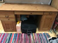 Desk , large wooden oak desk , good condition , £ 38 , West Kensington