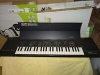 VINTAGE YAMAHA PORTASOUND PCS-500 KEYBOARD (USED) GOOD CONDITION