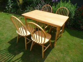 PRICE REDUCED!!! KITCHEN TABLE AND FOUR WINDSOR CHAIRS FOR SALE