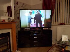 60inch LG tv in very good order and condition, freeview/full hd. hdmi plugs, internet, plus