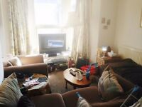 LOVELY UNFURNISHED 2 BEDROOM FIRST FLOOR FLAT IN EASTON
