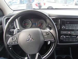 2016 Mitsubishi Outlander SE   ONE OWNER   AWD   7PASS   HEATED  London Ontario image 10