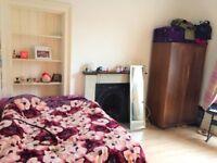 Double bedroom for a short-term near Meadows