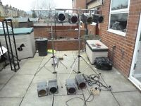 8X STAGE LIGHTS PAR 56 300W CHROME STANDS. WOODEN FLIGHT CASE. PARABEAM. FLOODLIGHTS