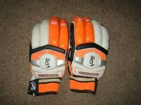 Kookaburra Right Hand Batting gloves
