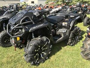 2017 Can-Am Outlander™ X® mr 1000R - Triple Black London Ontario image 1