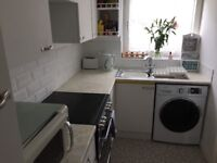 House to rent for 1 month. 2 double bedrooms, Queens Park