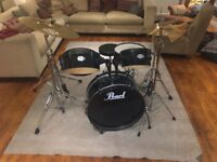 Very good condition beginners Pearl drum kit