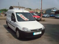 £3250 1.7Cdti Combo ONLY 60k miles 11 reg great condition Full MOT and service NO VAT TO PAY NO VAT