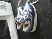Nike infant trainers (5.5)