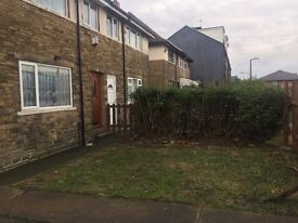 3 Bed semi with large garden, parking space & Garage, BD4 area